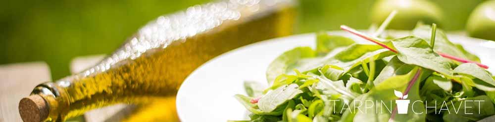 visuel épinards avec bouteille huile d'olives